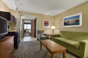 Two Room Suites 2 To 6 Guests