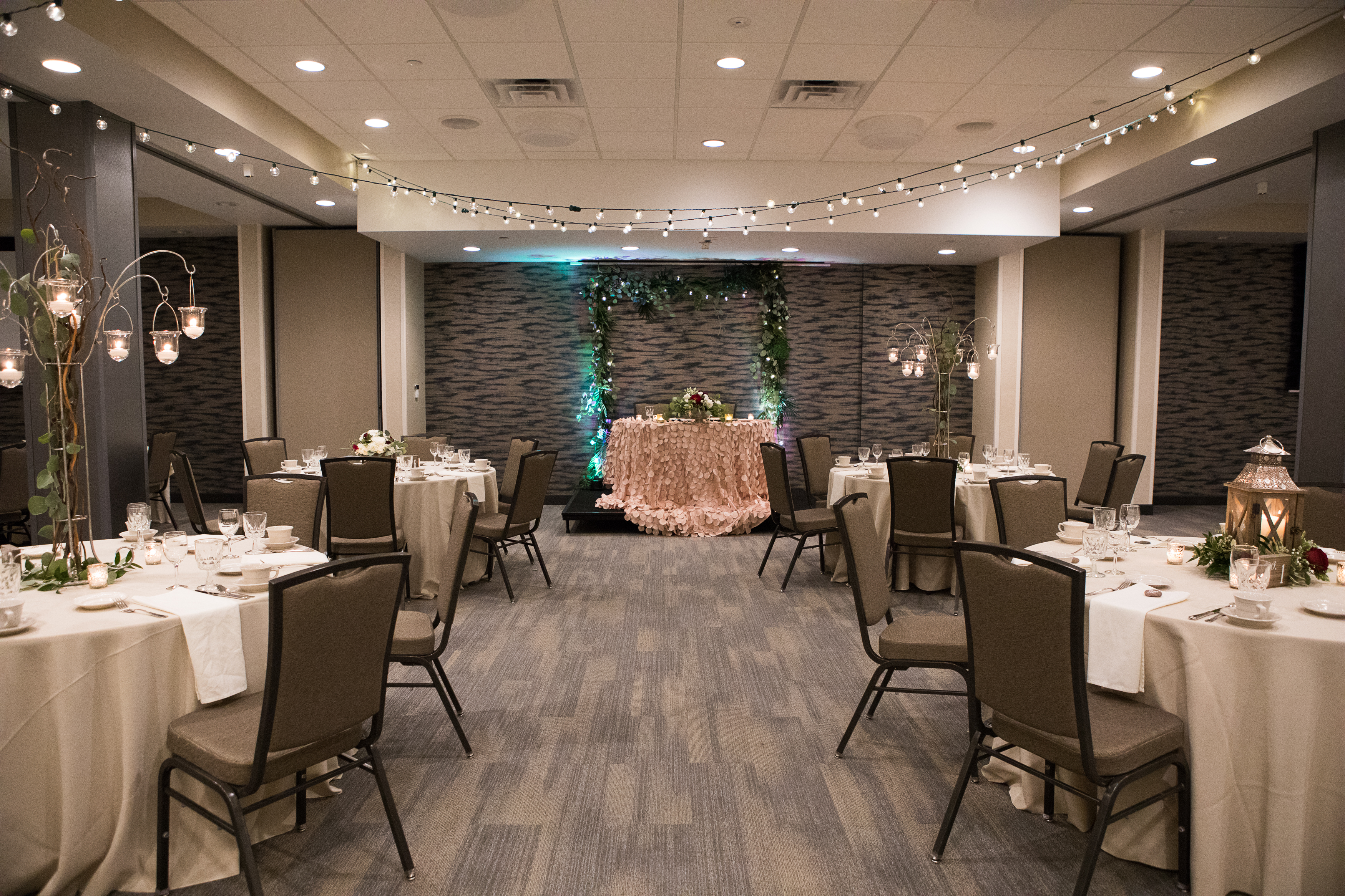 Host Your Wedding At Holiday Inn And Suites Duluth